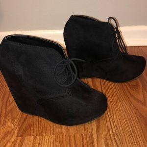 Charlotte Russe Shoe Tie Booties Size 8